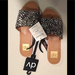 Black/White DV Dolce Vita Slip on Sandals-Sz7-NWT